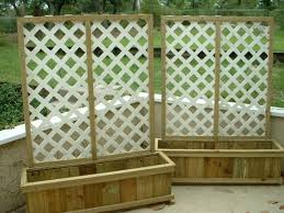 privacy fence landscaping