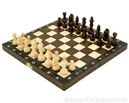 105 Magnetic Wooden Travel Chess Game 100100 Inch European School Folding Chess Set [PLC100] £100100 68