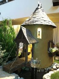 Dog house ideas   your pet deserves a really cool homecool dog house plans ideas tower bridge