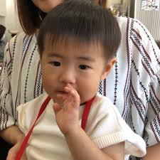 2歳3ヶ月のユウセイ君の散髪ショートツーブロック ヘアサロンタカハシ