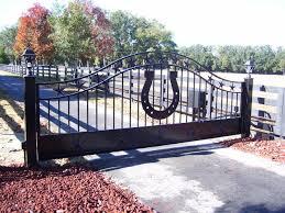 stars and horseshoe driveway gate