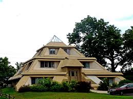 Pyramid Houses Pyramid House In Clear Lake Iowa Ken Ratcliff Flickr