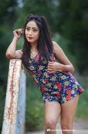 Hot sri lankan thighs