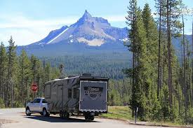 toy hauler trailers exploring oregon in our 2017 roadwarrior 425 devereaux