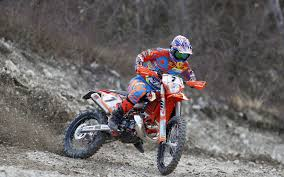 2018 ktm 350 exc. brilliant 350 in any case we are sure more details will be revealed of the news bikes in  springtime so check out some nice photos for now ktm factory racing team  2018 ktm 350 exc h