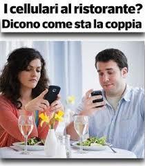 Risultati immagini per cellulari al ristorante