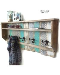 Entryway Wood Shelf with Hooks / Rustic Pallet Coat Rack / Reclaimed Wood  Shelves / Cast