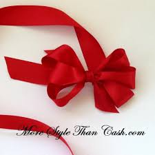 Tying a Bow On a Present | Once you learn how to make a florist bow
