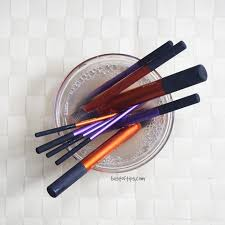 deep clean makeup brushes with vinegar