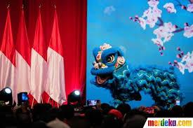 Tokoh kartun jepang yang lagi hits, yaitu gudetama juga meramaikan perayaan imlek. Foto Presiden Jokowi Hadiri Perayaan Imlek Nasional 2020 Merdeka Com