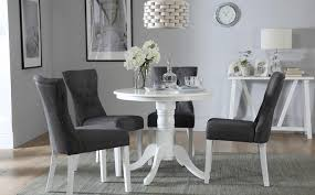 gallery kingston round white dining table with 4 bewley slate chairs