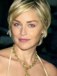 easy hairstyles for 40 year old woman