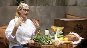 Chef Paola Carosella promove desafio em live do Masterchef Brasil