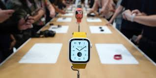 Apple Watch Series 5 vs. Series 4: New features, price compared ...