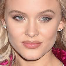 zara larsson s makeup photos s steal her style