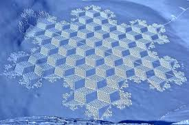 Snow Quilts | Sandy Fitzpatrick of Hissyfitz Designs & What amazing snow art! Simon Beck found a great way to create art and get  his exercise at the same time by creating these fabulous works of art on  frozen ... Adamdwight.com