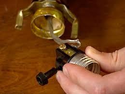how to rewire a lamp how tos diy light bulb socket wiring diagram A Light Socket Wiring Diagram A Light Socket Wiring Diagram #31