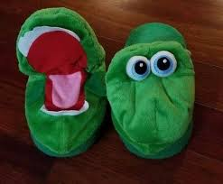 Stompeez Slippers Size Chart Stompeez Childrens Slippers Green Growling Dragon Size Small