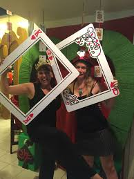 my own props red queen unbirthday photo booth