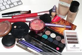 complete makeup kit. 10 makeup kit essentials: a complete guide .