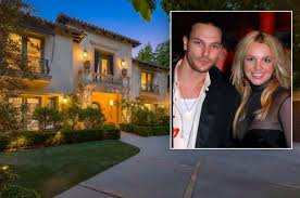 Tons of awesome britney spears wallpapers to download for free. Britney Spears Former Home Amid Breakdown Sells For 6 4m