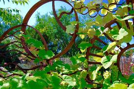 garden art. Garden Art (1).jpg T