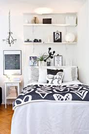 Small Bedroom Decor Top 25 Best Casual Bedroom Ideas On Pinterest Bedroom Shelving