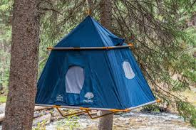 Hanging Tree House This Hanging Tent Is An Instant Treehouse Curbed