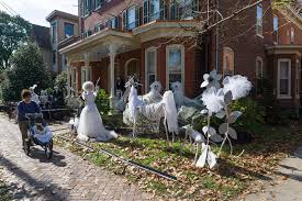 Halloween in Lambertville. haunted yard halloween decor