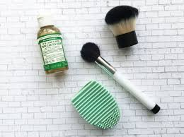 clean makeup brushes naturally