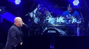 billy joel extends 2018 residency at new york 039 s madison square garden into