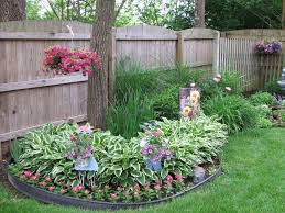 Small Round Flower Bed Design Round Flower Bed With Tree Beautiful Design Ideas Ornaments