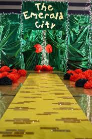 best 25 wizard of oz ideas on wizard of oz gifts throughout wizard