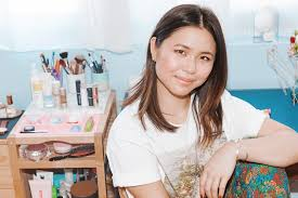 Glossier's Laura Yeh On 3D-Printing + Cleaning   Into The Gloss