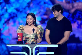 The speech started out okay: Noah Centineo And Lana Condor S To All The Boys Kiss Is Now An Mtv Movie And Tv Award Winner