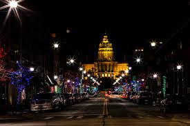 Light The Night Walk Des Moines Discover The Top Winter Things To Do In Des Moines