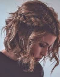 Image Coiffure Bapteme Marraine Cheveux Court Coupe De