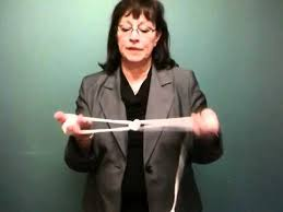 Dr Teresa Rhodes: How to tie a bowline knot - YouTube