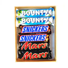 picture image of gift pack with snickers mars and bounty 316 gms