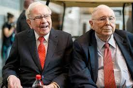 Warren Buffett: Berkshire Hathaway sitzt auf 122 Milliarden Cash - manager  magazin