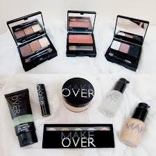 aku pertama tahu soal brand make over ini dari kegiatan beauty cl yang diadain organisasi di sleek makeup haul