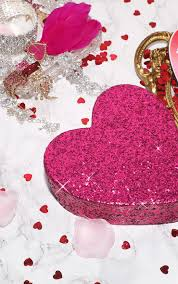 paperchase glitter heart giftbox image 1