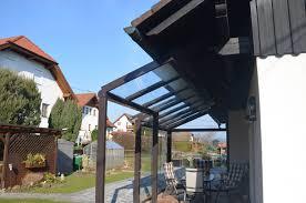 Terrassenüberdachung Mit Windgeschützten Bereich