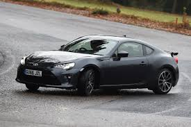 <b>Toyota GT86</b> review | Auto Express