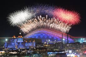 Сочи Зимняя олимпиада Олимпийский Сочи Третья столица  Салют над стадионом Фишт в Олимпийском паркем во время церемонии открытия xxii зимних Олимпийских игр