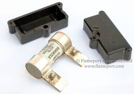 wylex one way 60a fusebox 60a cartridge fuse and metal blades 60a cartridge fuse and 2 part plastic holder
