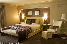 oversized guest rooms at the ambassador hotel