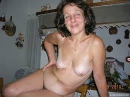 Amateur nude women small titties