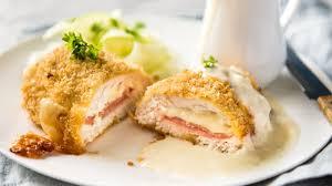 Kamu biasanya berbuka dengan yang manis atau Resep Chicken Cordon Bleu Sajian Istimewa Untuk Makan Malam Bersama Keluarga Tribunstyle Com