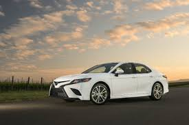 2018 toyota white camry. wonderful 2018 2018 toyota camry white exterior color with